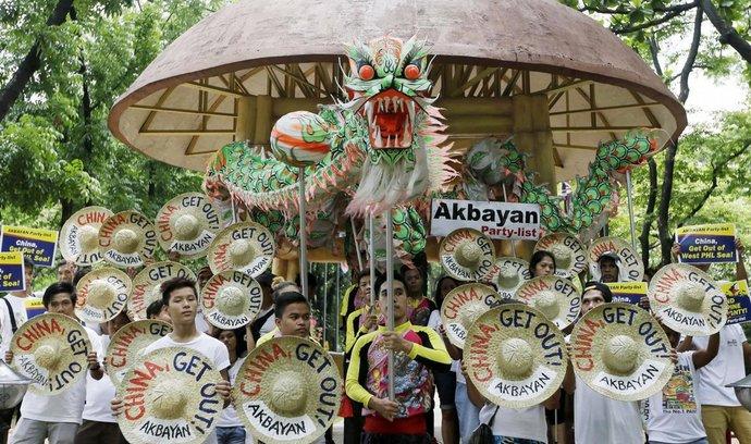 Filipínský protest proti teritoriálním ambicím Číny