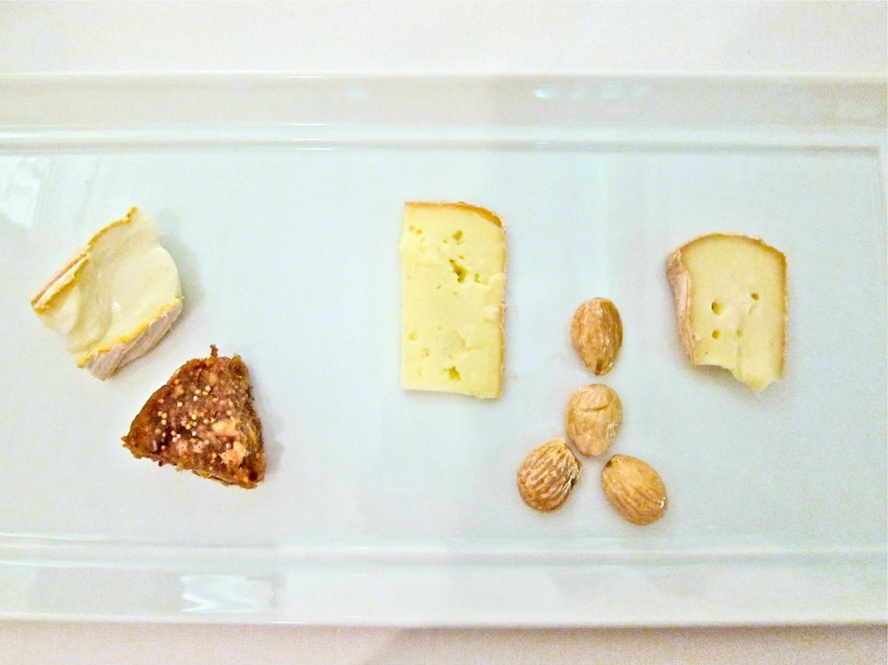 26. Selekce těch nejlepších sýrů na míru každému zákazníkovi.