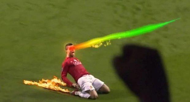 Když dáš gól, dějí se věci! Lasery šlehají z očí a tyranosaurus padne k nohám!
