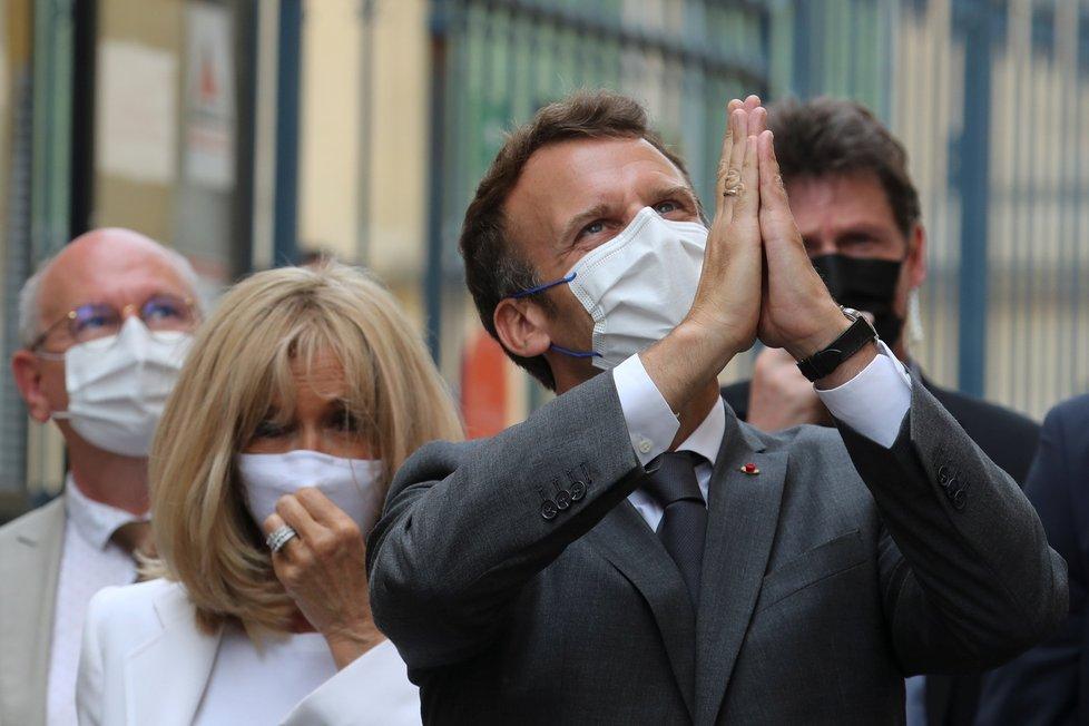 Prezident Emmanuel Macron s manželkou Brigitte