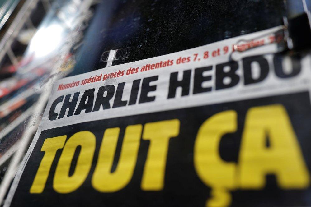 Francouzi si připomněli 5 let od útoku na redakci časopisu Charlie Hebdo.