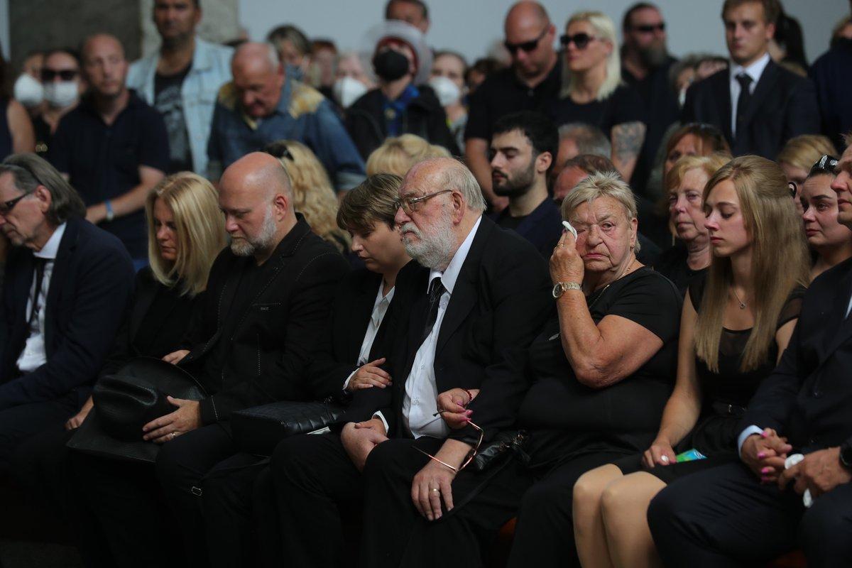 Pohřeb Františka Nedvěda byl velmi emotivní