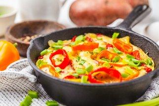 Rychlá večeře z pánve: Připravte ty nejlepší omelety a frittaty pro velké i malé gurmány