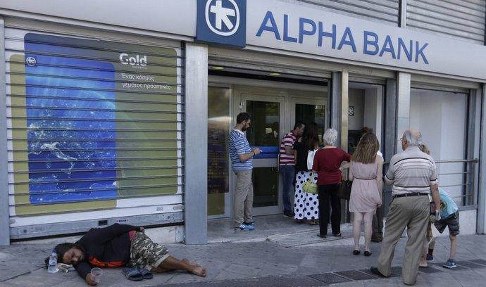 Fronta před bankami v Řecku