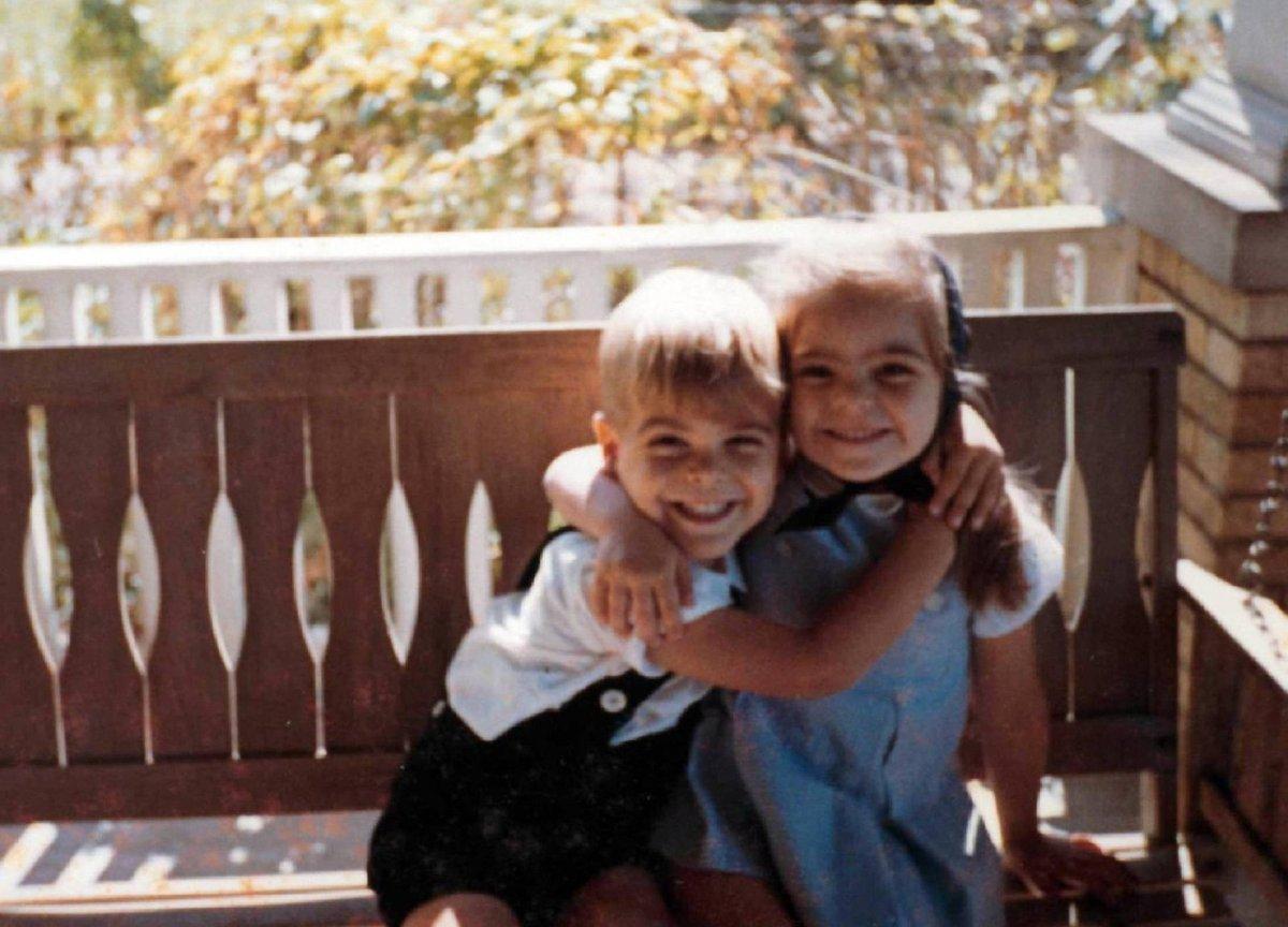 George Clooney se sestrou Adou když mu bylo pět let.