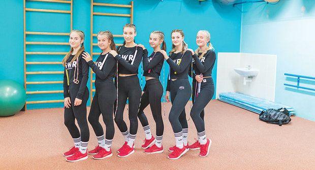 Zlatý oříšek: Girls with Rope skáčou přeš švihadlo i po zadku