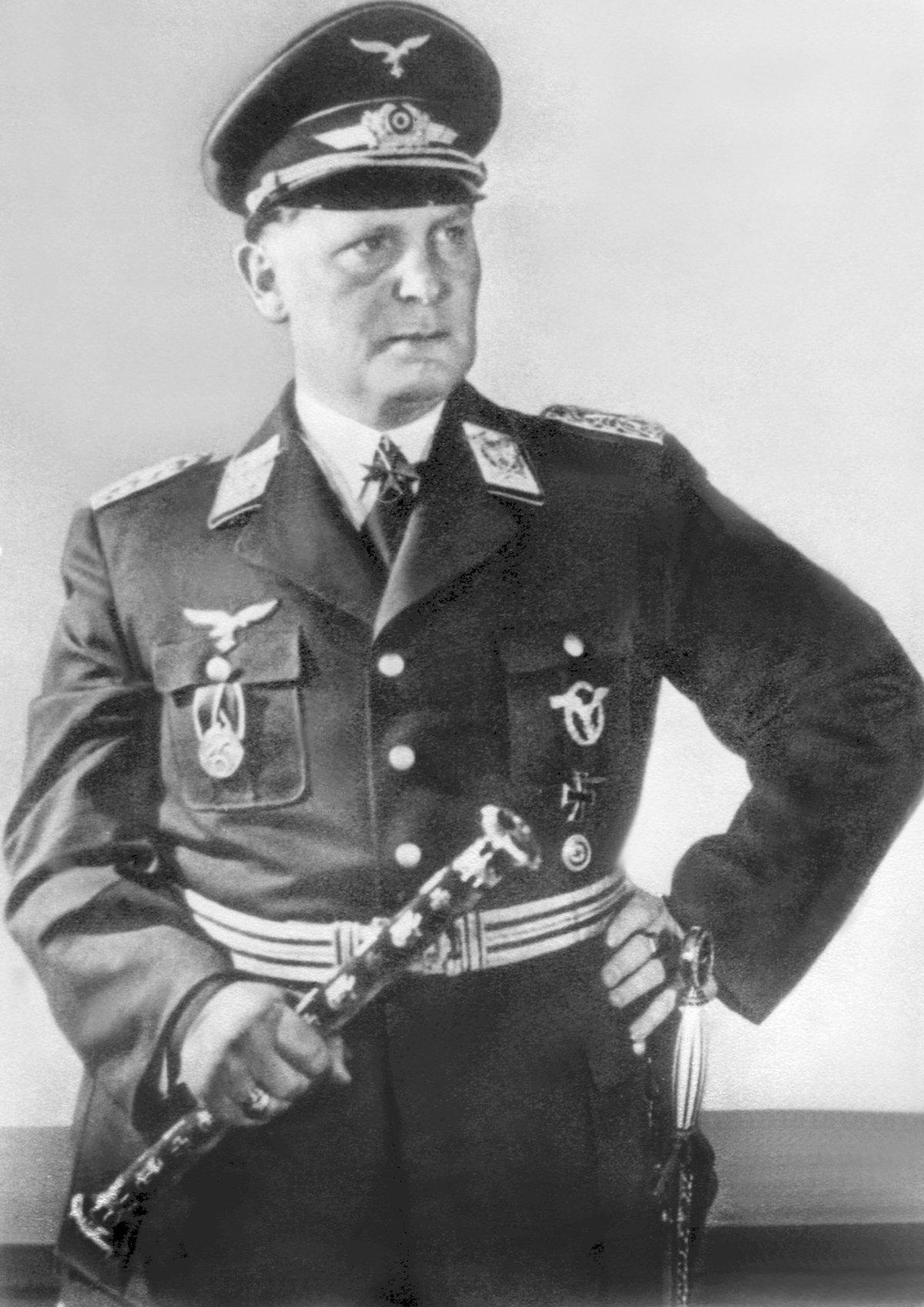 Říšský kancléř Hermann Göring (†53)