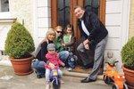 Karel Gott si rodinný život uživá