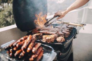 Jak grilovat maso: Záleží na teplotě grilu i marinádě. Co všechno si ještě pohlídat?