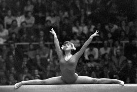 Půvab gymnastek východního bloku na pohlednicích z 20. století