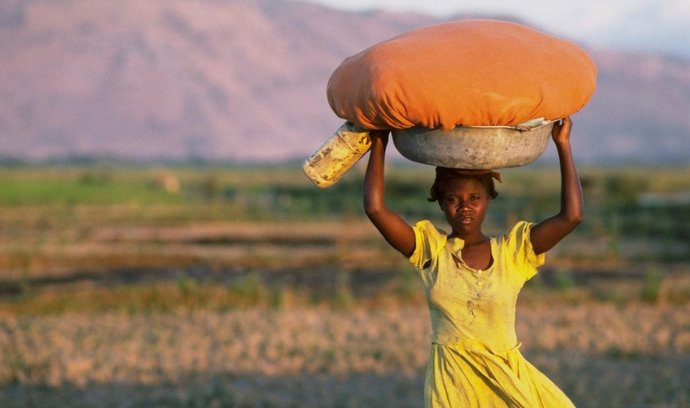 Haitská dívka, ilustrační foto