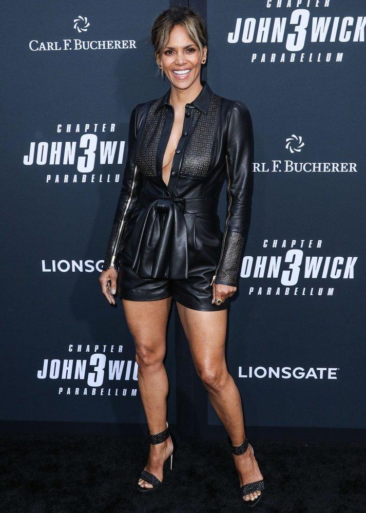 Halle Berry (54) vypadá naprosto skvěle!