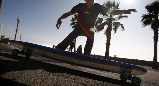Hamboard: Surfujte na rozpáleném asfaltu