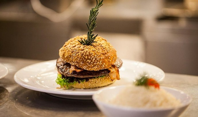 Hamburger jako gastronomická perla