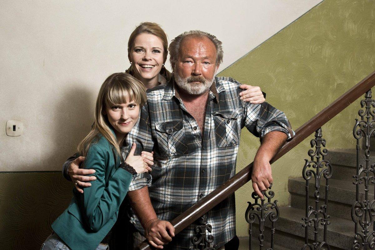 Se seriálovým otcem Vlastou Peškem a dcerou Adrianou.