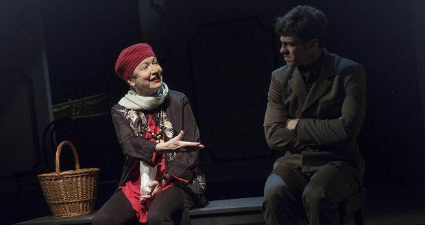 Hana Maciuchová zvládla s nemocí odehrát ještě čtyři reprízy hry Harold a Maude.