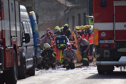 Zasahovalo mnoho hasičů a záchranářů.