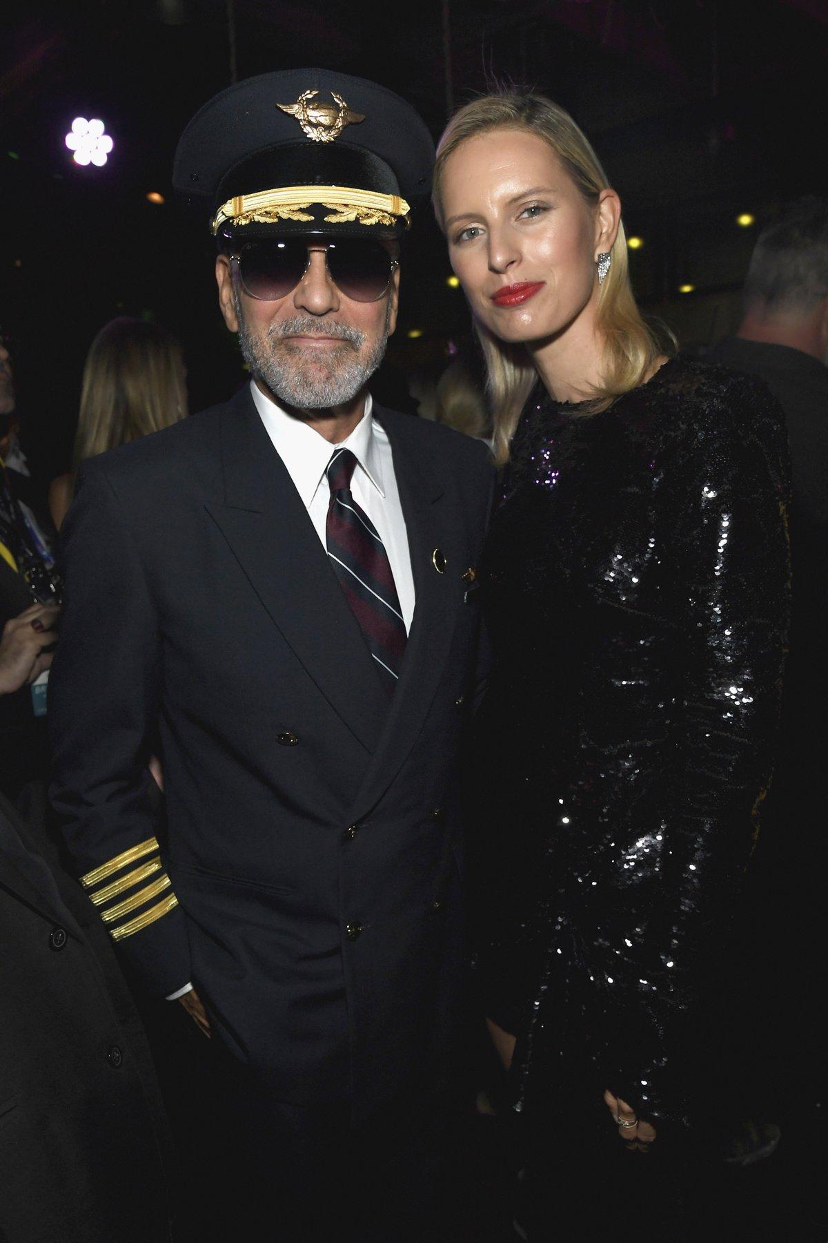 Z Las Vegas má Karolína krásnou fotku s panem hostitelem.