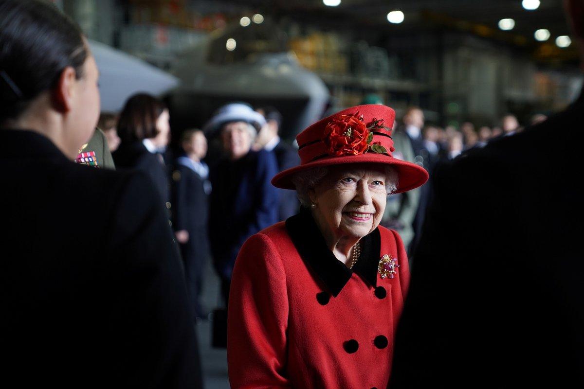Britská královna Alžběta II. dnes navštívila letadlovou loď HMS Queen Elizabeth (22.5.2021)