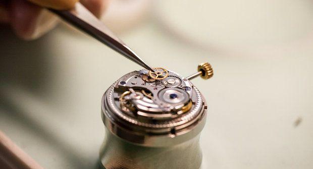 Tikají už přes 70 let: Jak se vyrábí hodinky Prim