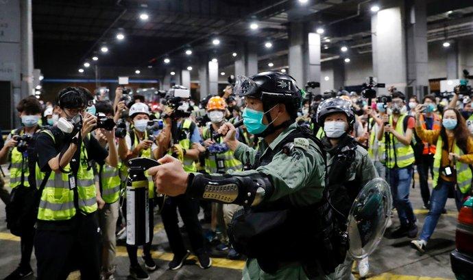 Za protesty do vězení. Čína se vypořádává s opozicí v Hongkongu.