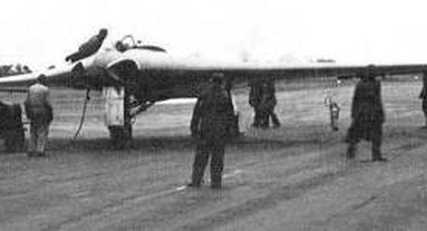 Hitlerovy tajné zbraně: Atomová bomba, neviditelný letoun i paprsky smrti!