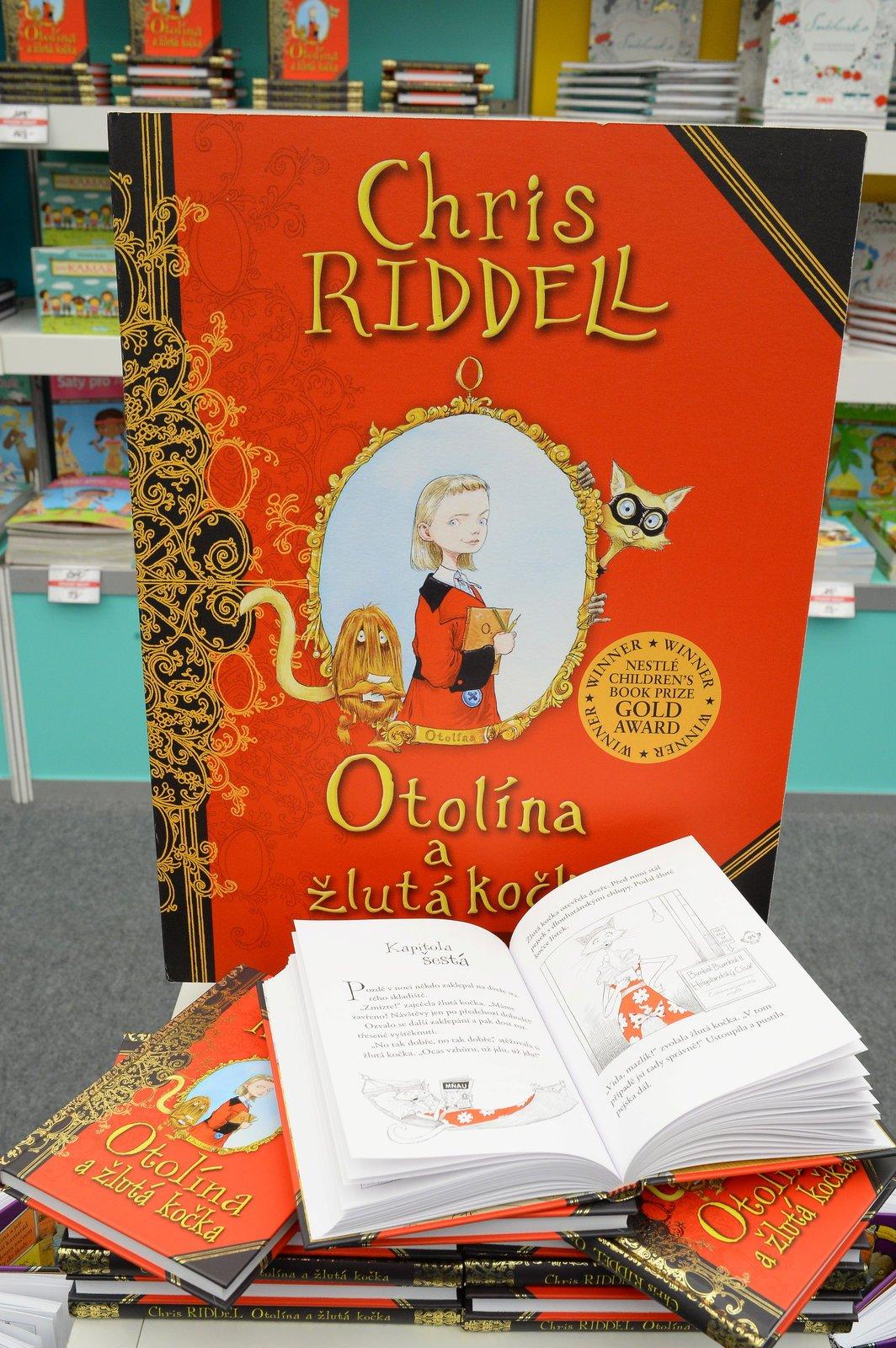 Otolína a žlutá kočka. Cena: 169 Kč. Malí čtenáři ocení příběh o dívce Otolíně, která se svým nerozlučným kamarádem Mourou zažívá různá dobrodružství.