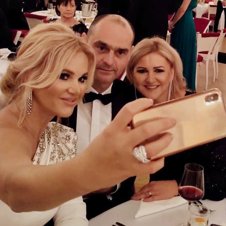 Hradní ples tak, jak si ho zaznamenala a užila manželka premiéra Monika Babišová