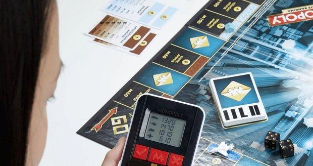 Moderní Monopoly: karty místo bankovek