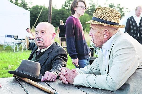 Dva slavní bardi. Setkání s Petrem Nárožným bylo pro Oldřicha velmi příjemné.