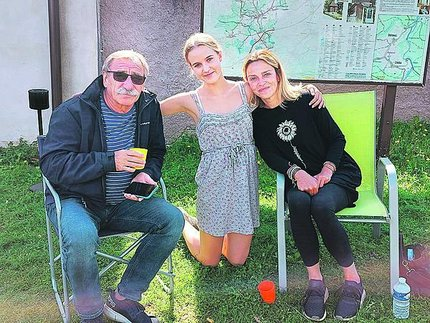Pavel Zedníček s Amelií a Luckou.