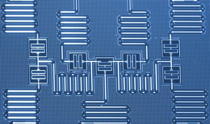 IBM provedlo rekordně složitou chemickou simulaci na kvantovém počítači