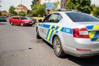 Muž v Plzni prý zaútočil na skupinku dětí a utekl: Kluka (16) napadl a nepříjemně zranil!