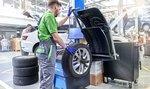 Inflace drtí autoservisy. Rychle zdražují, opravy a dodání dílů zaberou měsíce