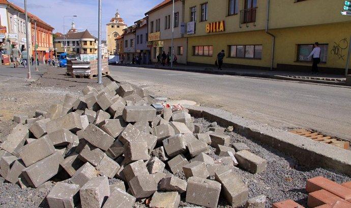 Velká část peněz půjde na dobudování chodníků v obcích. Ilustrační foto