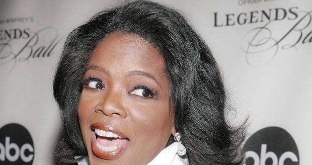 Na druhé místo z loňského prvního klesla hvězda americké televizní talkshow Oprah Winfrey