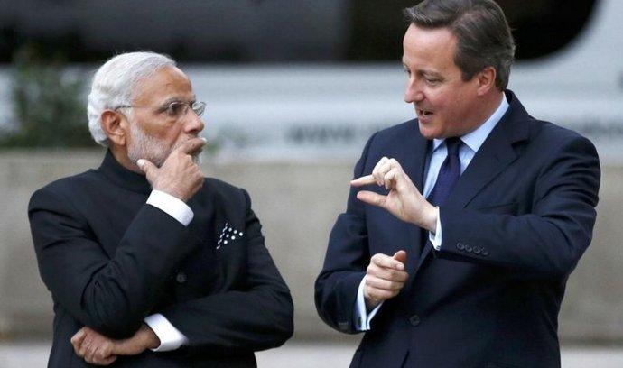 Indický premiér Naréndra Módí a jeho britský protějšek David Cameron