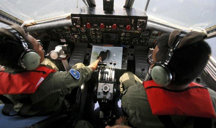Indonéští piloti pátrají po zmizelém malajsijském letadle