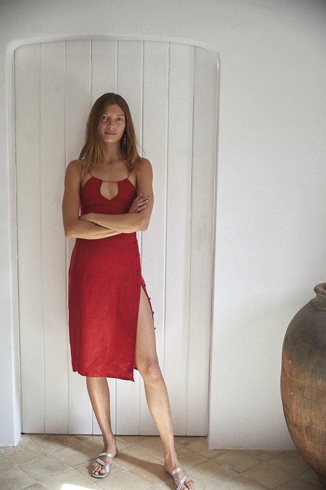 Šaty, Amlul, 250 eur, www.amlul.com