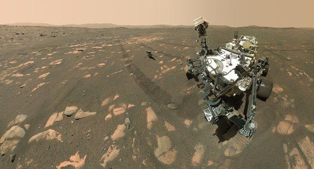 Vrtulník Ingenuity létá první mimo planetu Zemi, v atmosféře Marsu