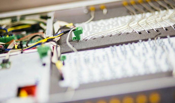 Instrumentation Technologies (I-Tech) je významným výrobcem prvků pro urychlovače částic.