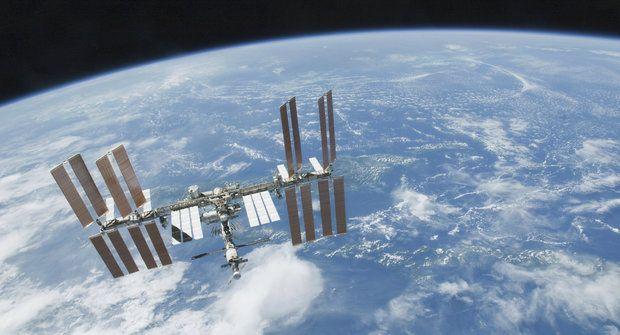 Procházka po ISS ve 3D: Na největším vesmírném komplexu