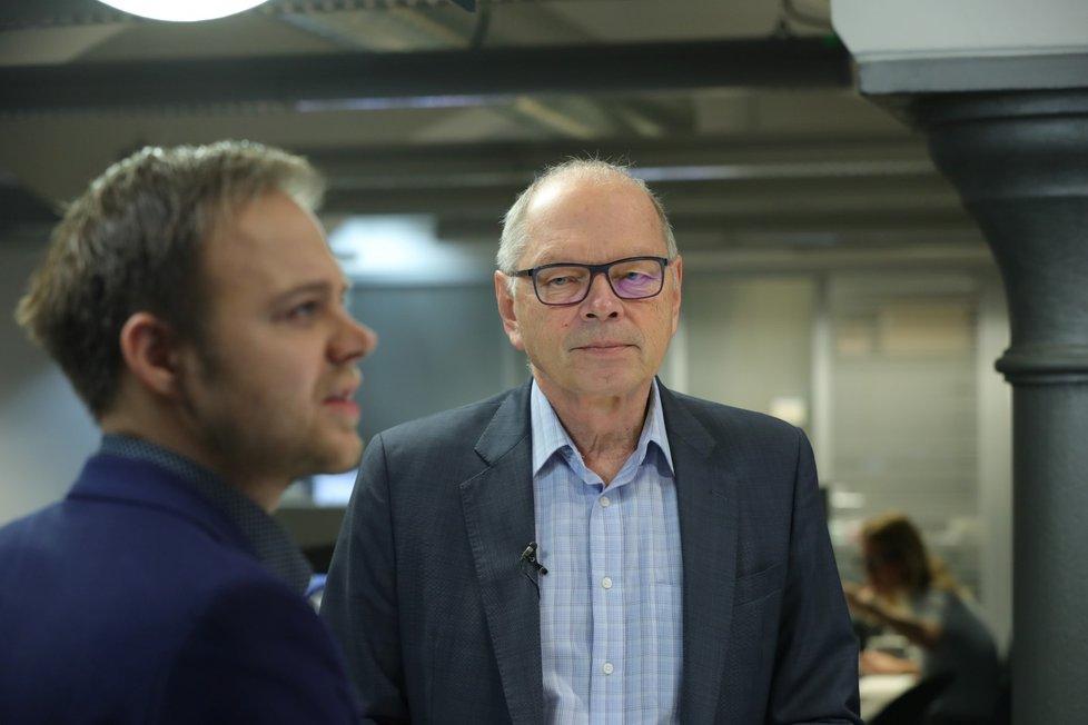 Ministr financí Ivan Pilný (ANO) ve Studiu Blesk obhajoval Účtenkovku. Slíbil, že systém registrace účtenek bude jednodušší a pokud zájem lidí bude upadat, změní se prý herní plán.