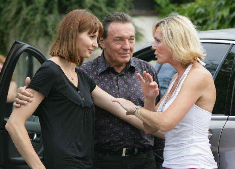 Karel Gott s manželkou Ivanou a Helenou Vondráčkovou