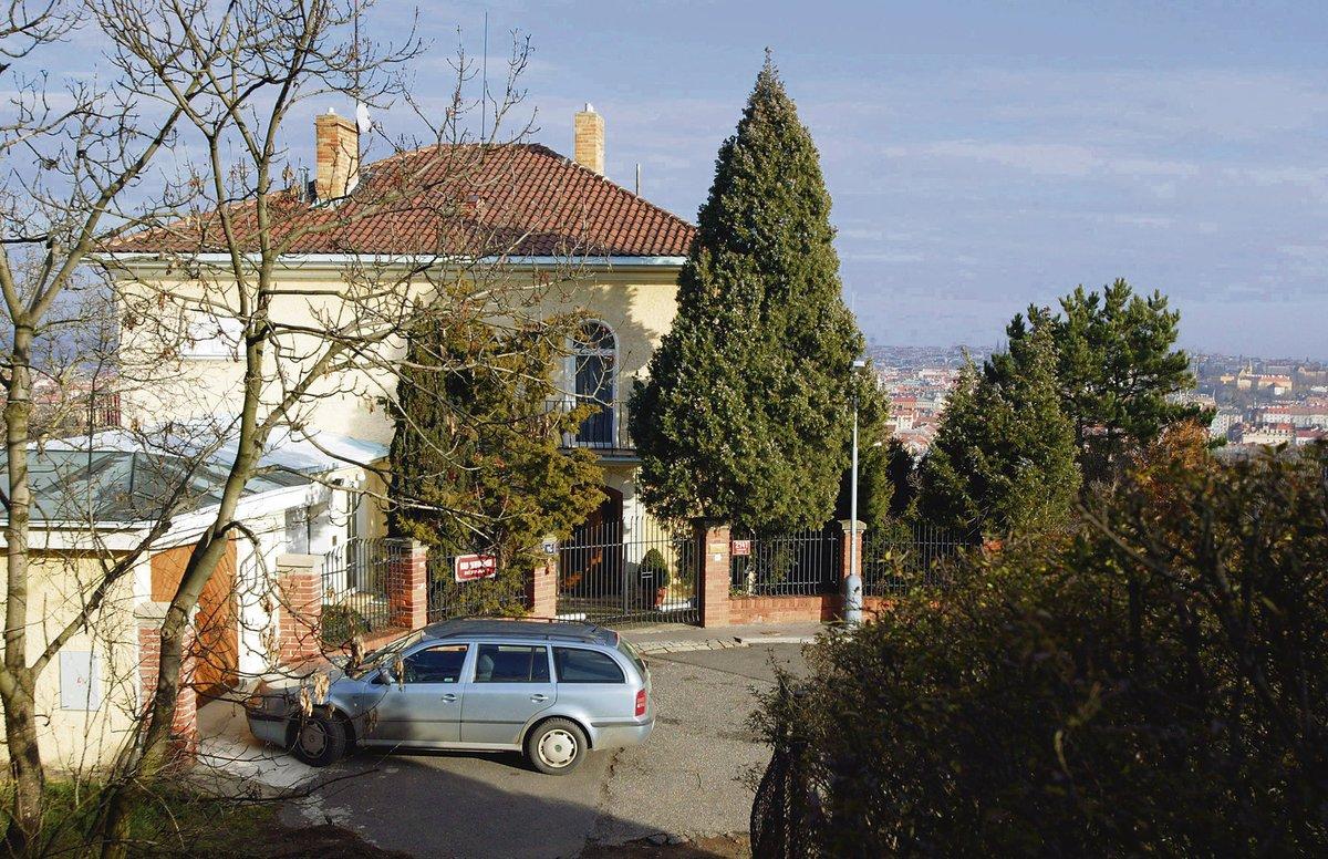 Na Bertramce zpěvák žije už od 70. let.