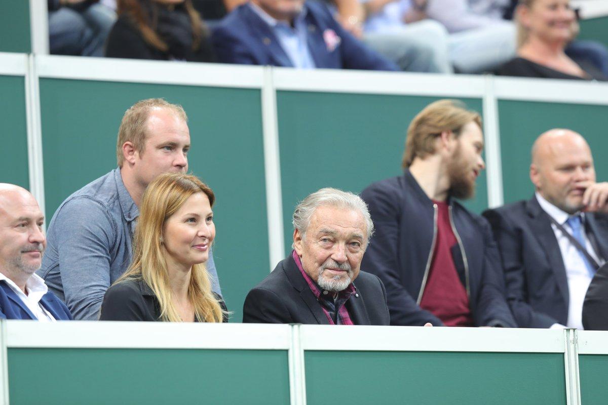 S manželem na rozlučce tenisty Radka Štěpánka.