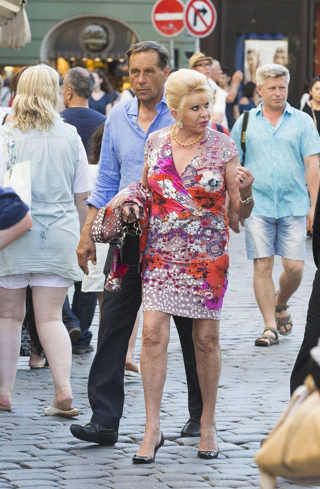Kolem Ivany Trump se po jejím příjezdu do Česka strhlo doslova šílenství!