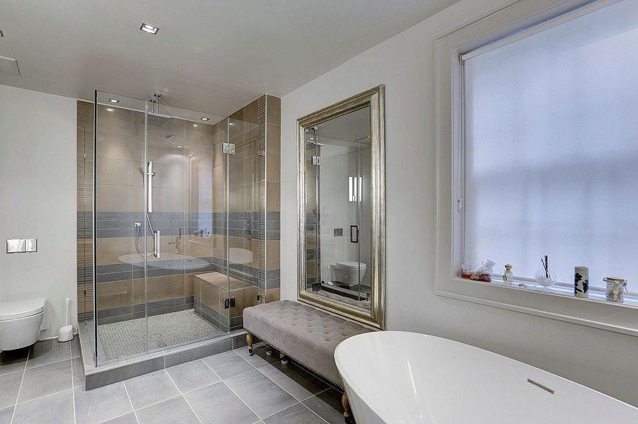 Luxusní koupelna. V domě je jich celkem 7
