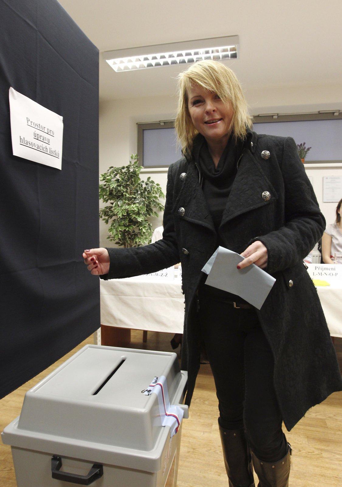 Kabát, ve kterém se vloni v lednu objevila u voleb.