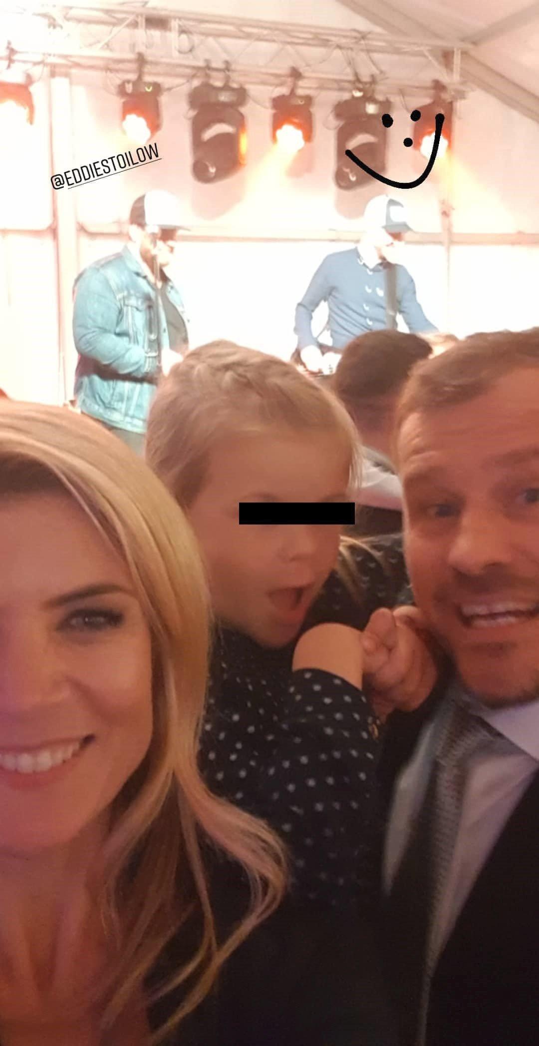 Iveta Vítová s rodinou na svatbě Pavla Cejnara